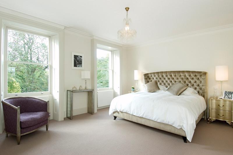 дизайн интерьера белой спальни