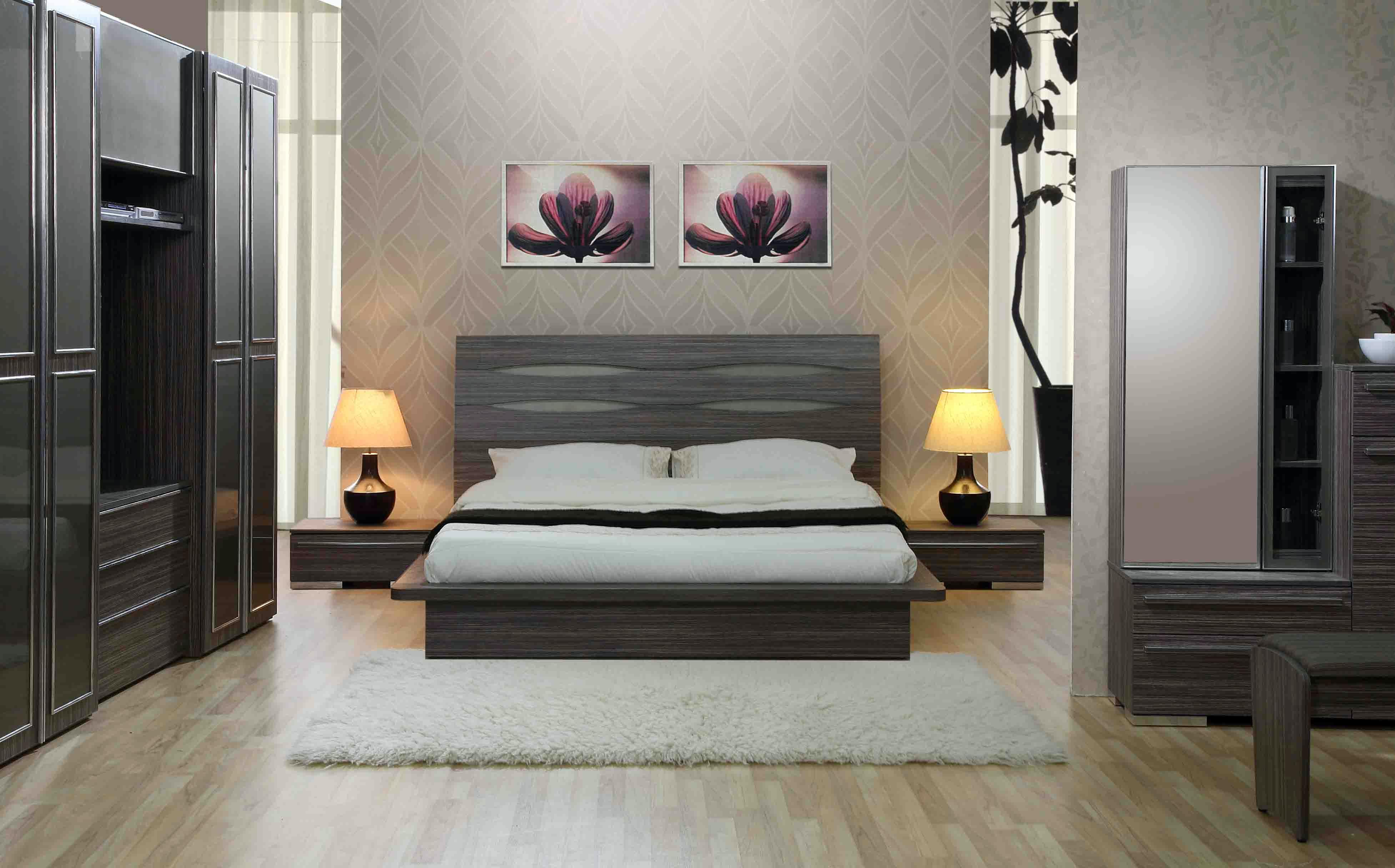 серая спальная комната