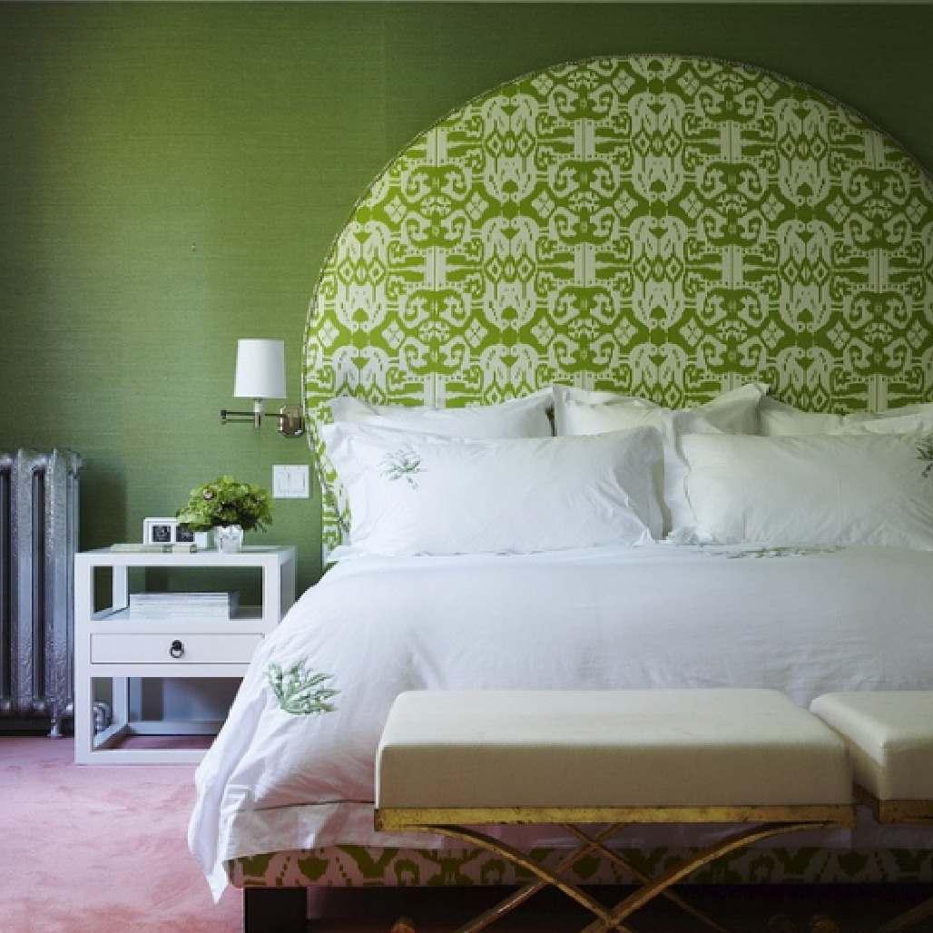 интересная вариация на тему зеленой спальни