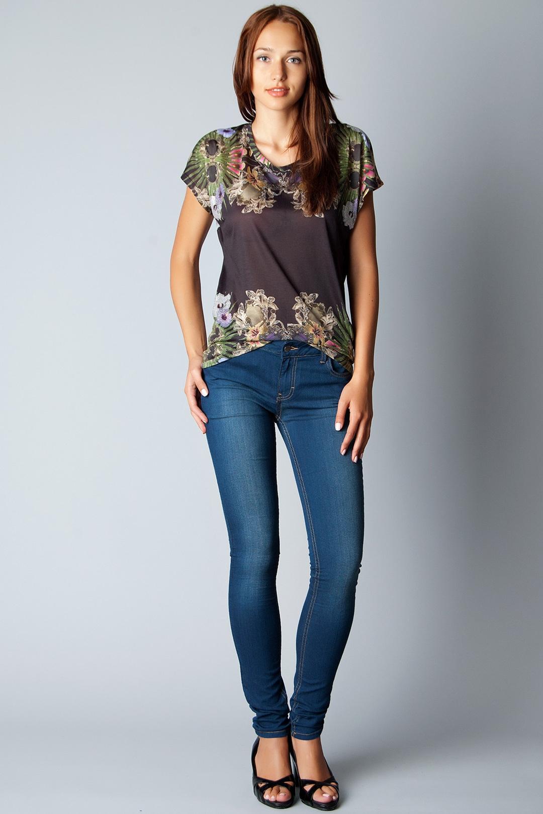 Закатанные джинсы