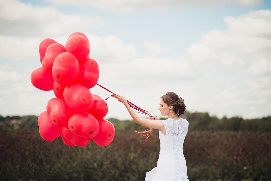 свадебные шары красного цвета