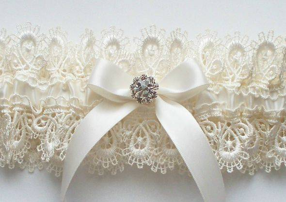 Как сшить подвязку для невесты своими руками кружево 8