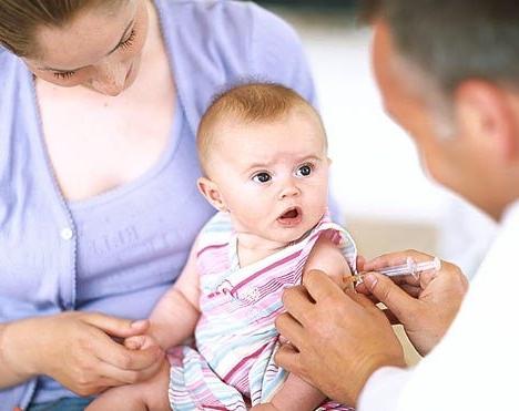 проводить вакцинацию?